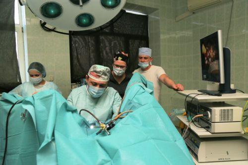 Хирург-уролог за работой
