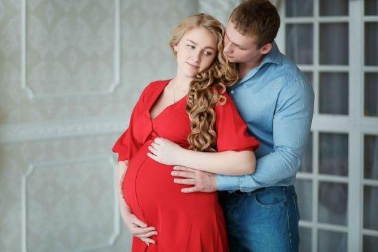 Беременная и муж