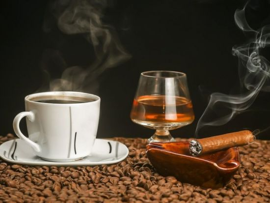 Кофе, алкоголь и сигареты