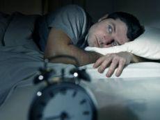 Человек не спит ночью